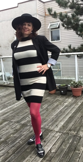 Boyfriend jacket, fuchsia tights, and wingtip shoes to round out the look.